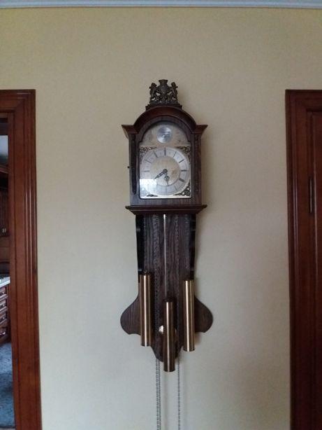 Часы годиник tempus fugit