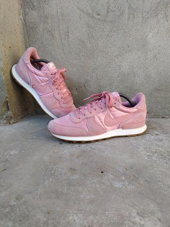 Кроссовки женские Nike Air adidas asics puma 42