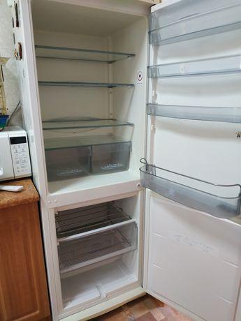 Продам холодильник Snaige. Холодильник