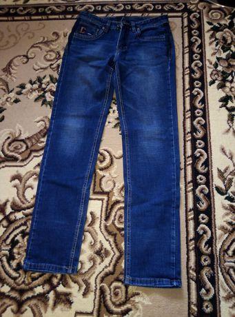 Продам джинсы на мальчика 12 лет в хорошем состоянии