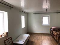 Продаю 3 комнатная часть дома ,свой двор!