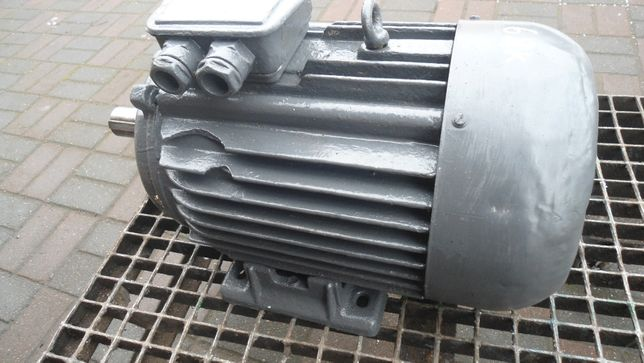 Silnik elektryczny 3 fazowy 7,5 kW 1450 obr na łapach