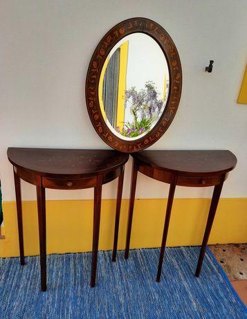 Par de mesas de encosto e espelho