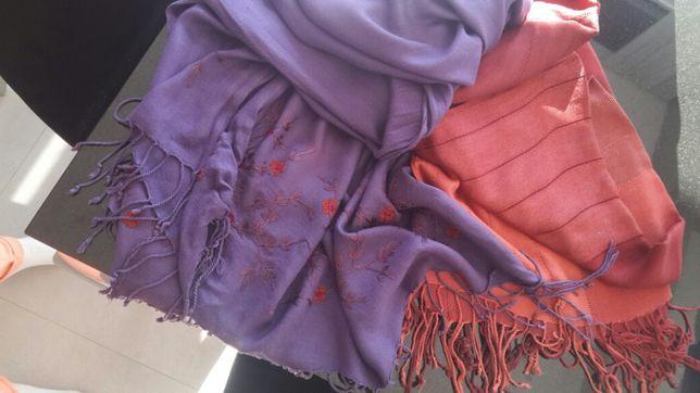 Piękny fioletowy szal z haftem 170 cm x 75 cm