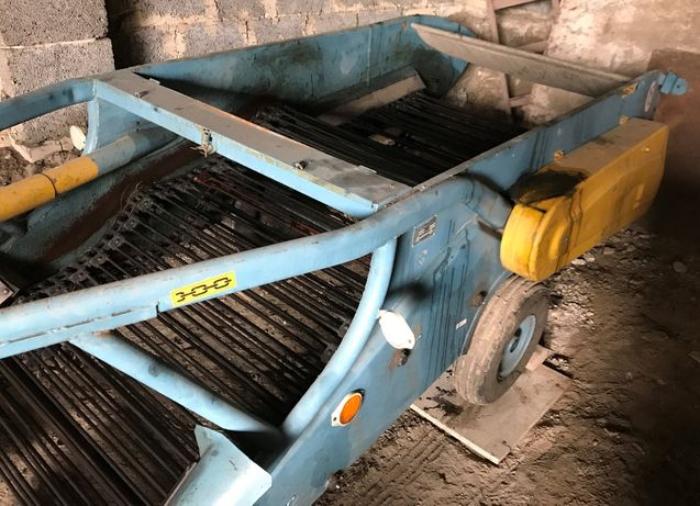 Kopaczka półzawieszona przenośnikowa do ziemniaków Z609/0-2 AGROMET