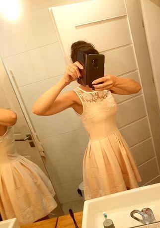 Cudowna sukienka Lou One 36 z koronka brzoskwiniowa