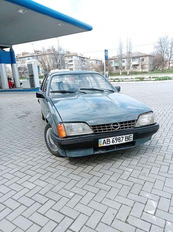 Продам Опель Рекорд,2.0 бензин.Инжектор.
