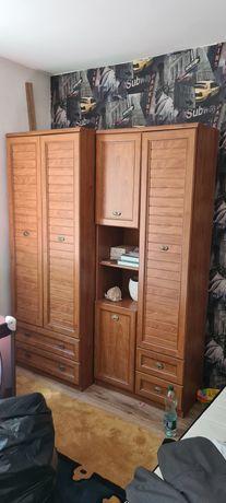Komplet dwóch szafy.