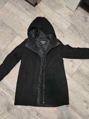 Płaszcz z kapturem na zimę