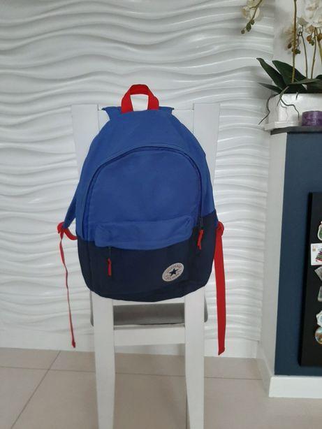 Czerwono niebieski plecak Converse