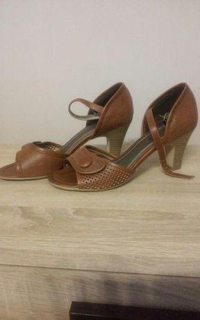 NOWE Skórzane sandałki r.39