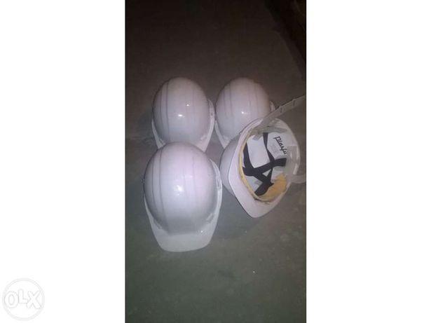 Vendo capacetes de proteção