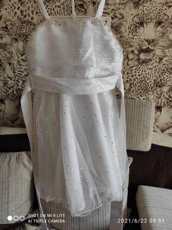 Продам платье на девочку.