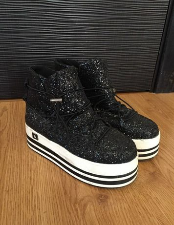 Ботинки на платформе / Осенние кроссовки