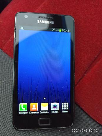 Мобильный телефон Samsung Galaxy S 2 GT - I9100