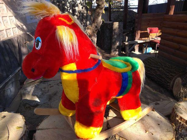 Игрушка лошадка качалка