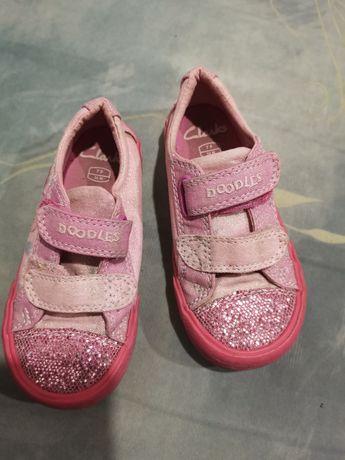 Макасины, тапки, обувь для девочек