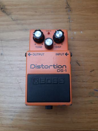 Boss DS-1 efekt gitarowy