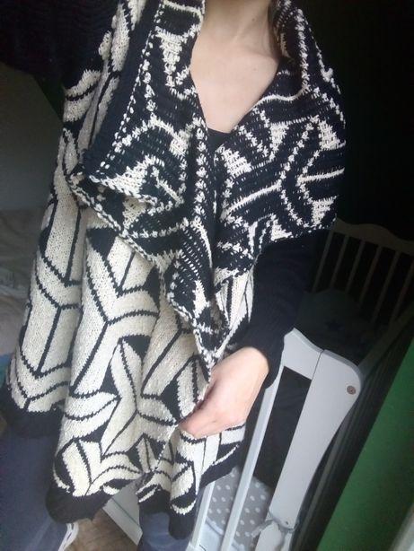 Sweter kardigan kaskadowy
