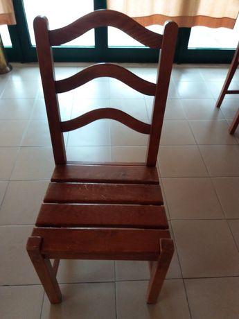 Cadeiras  em pinho