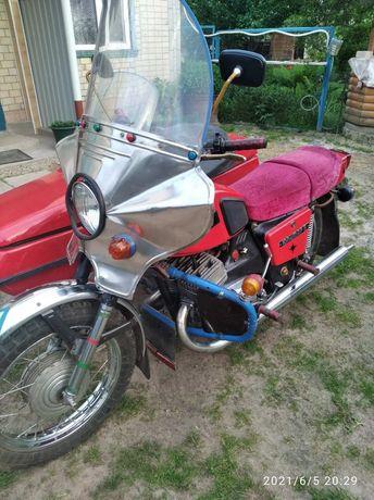 Продам мотоцикл с коляской ИЖ