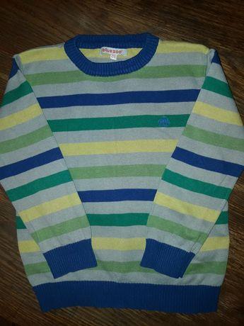 Яркий  свитерок  4/ 5лет.