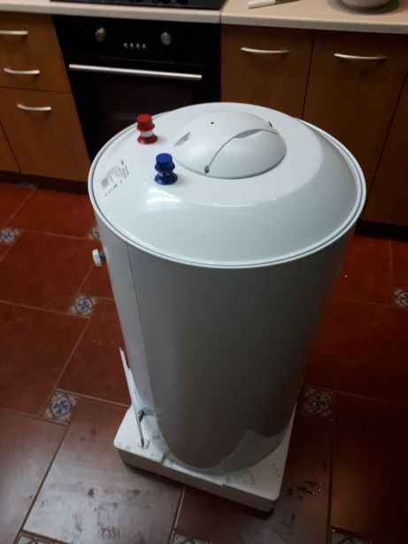 Бойлер 100 л NovaTec NT-SP 100 электрический водонагреватель