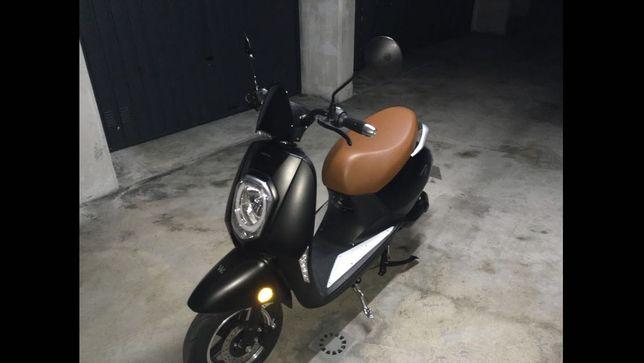 Scooter elétrica 50cc
