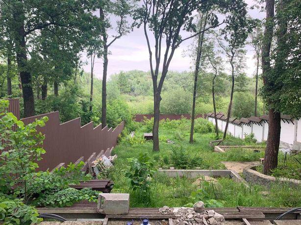 Заходи и строй!  12 соток в Плютах с лесом и коммуникациями