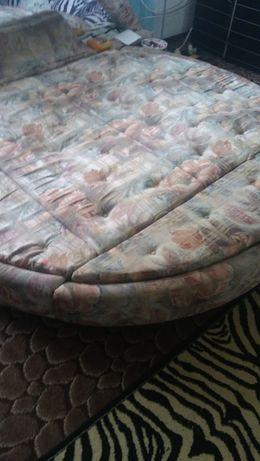 łóżko okrągłe podświetlane z radiem-lustro