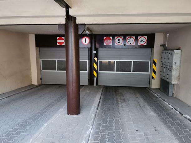 Miejsce postojowe w garażu podziemnym od ul. Boguchwały