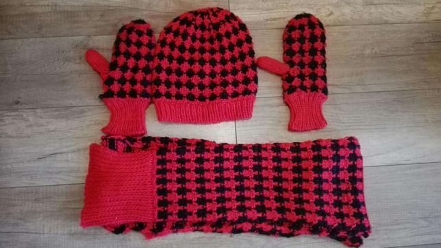 Zestaw swiatwczny H&M rekawiczki, szalik, czapka, stan nowy bez metek