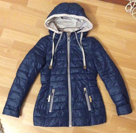 Зимнее и демисезонная куртка, пальто.