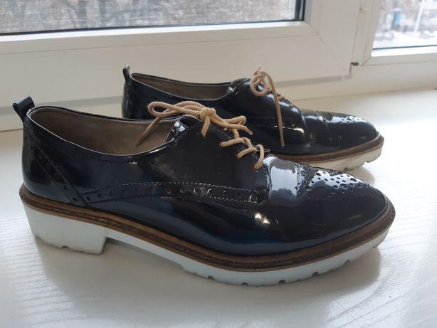 Туфли на шнуровке. Разм.39
