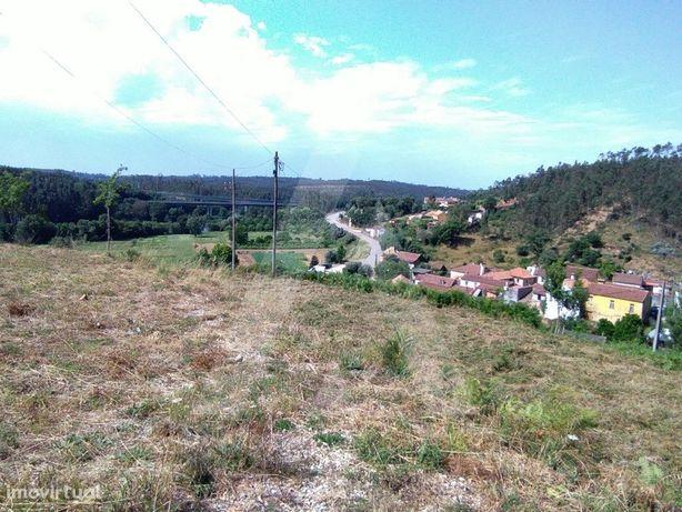 Terreno destinado a construção na Macinhata do Vouga, com...