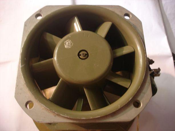Вентилятор осевой (вытяжка)