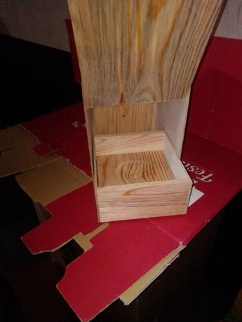 Ninho de madeira Periquito Inglês