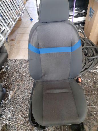 Fotel przedni pasażera  Ford Kuge 2008