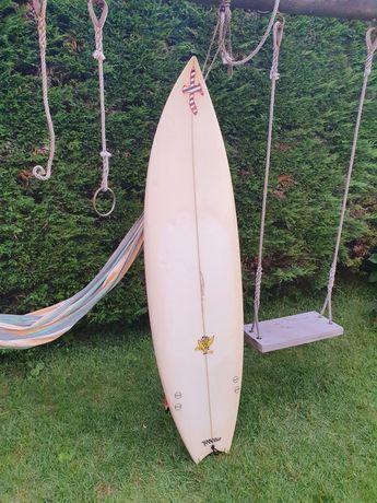 Prancha surf Xanadu Pig 2 / 6'2 + Quilhas FCS Carbono
