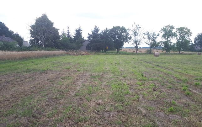 Dwie działki budowlane m.Leśnica, powiat Łaski, powieżchnia 3,105m