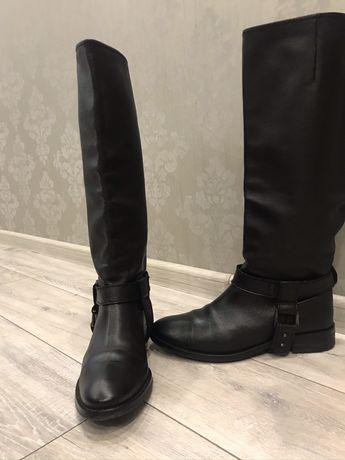 Женские демисезонные сапоги Zara