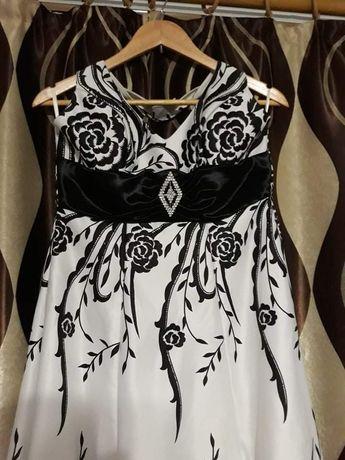 Продам длинное вечернее (выпускное) платье.