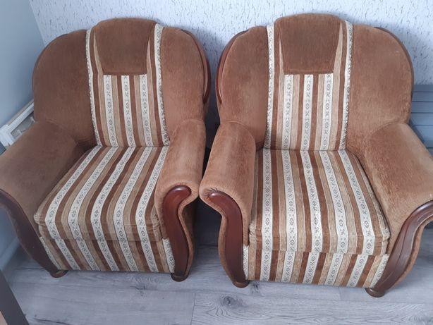 Komplet wypoczynkowy. Fotele i kanapa