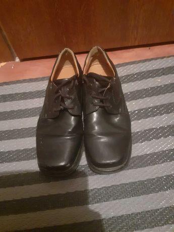 Sprzedam buty komunijne dla chłopca roz.37