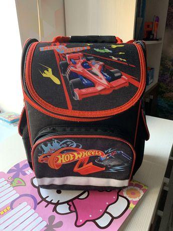 Продам рюкзак Kite hot wheels в отличном состоянии