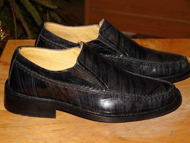 Новые кожаные туфли на мальчика р27