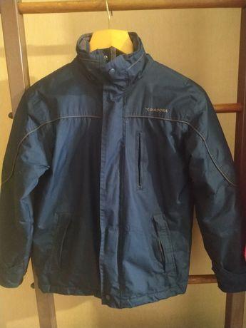 """Куртка фирменная зимняя """"Diadora"""" на мальчика 7-10 ."""