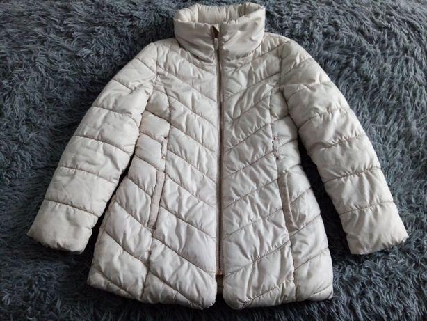 Демисезонная куртка бежевого цвета