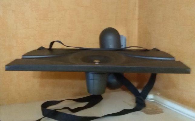 Настенный кронштейн - подставка под телевизор