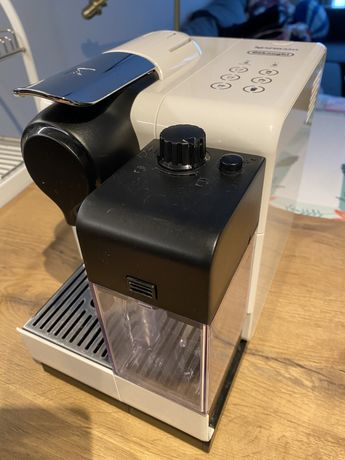 Ekspres DeLonghi Nespresso Lattissima Touch